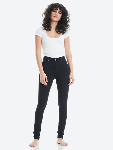 52831a21f44b Higher Flex jeans. Front. Model.
